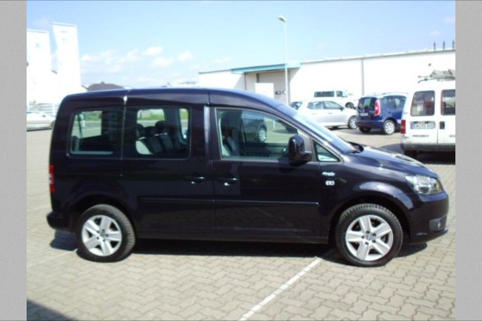 VW Caddy Maxi 1,6 TDI Black